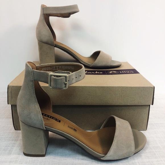 499c6d87ee7 NWT Clarks 7M tan suede sandal heels Deva Mae